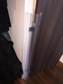 ドアに挟まれないようにするためのカバー